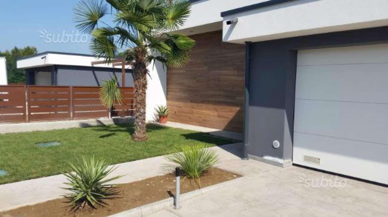 Villa in vendita a Montichiari, 4 locali, prezzo € 245.000 | CambioCasa.it