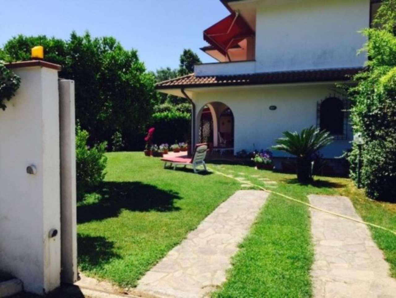 Villa in vendita a Sabaudia, 6 locali, prezzo € 350.000 | CambioCasa.it