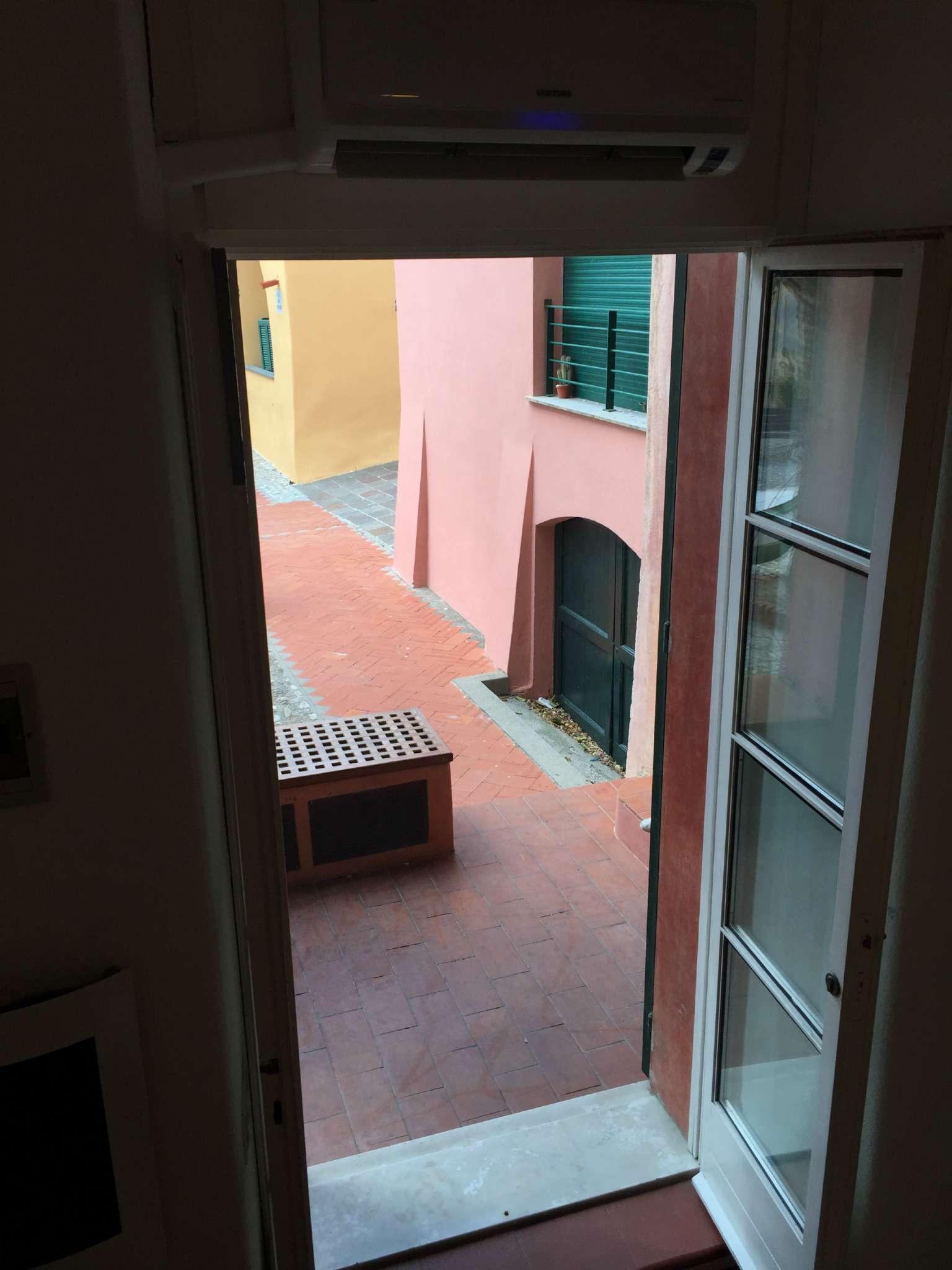Bilocale Finale Ligure Piazza Dei Pescatori 8
