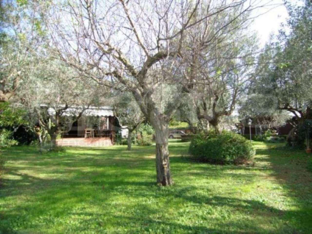 Villa in vendita a Castel Gandolfo, 6 locali, prezzo € 970.000 | CambioCasa.it