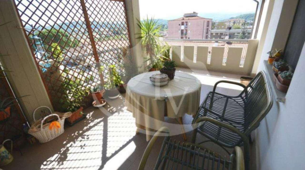 Appartamento in vendita a Montevarchi, 5 locali, prezzo € 165.000 | Cambio Casa.it