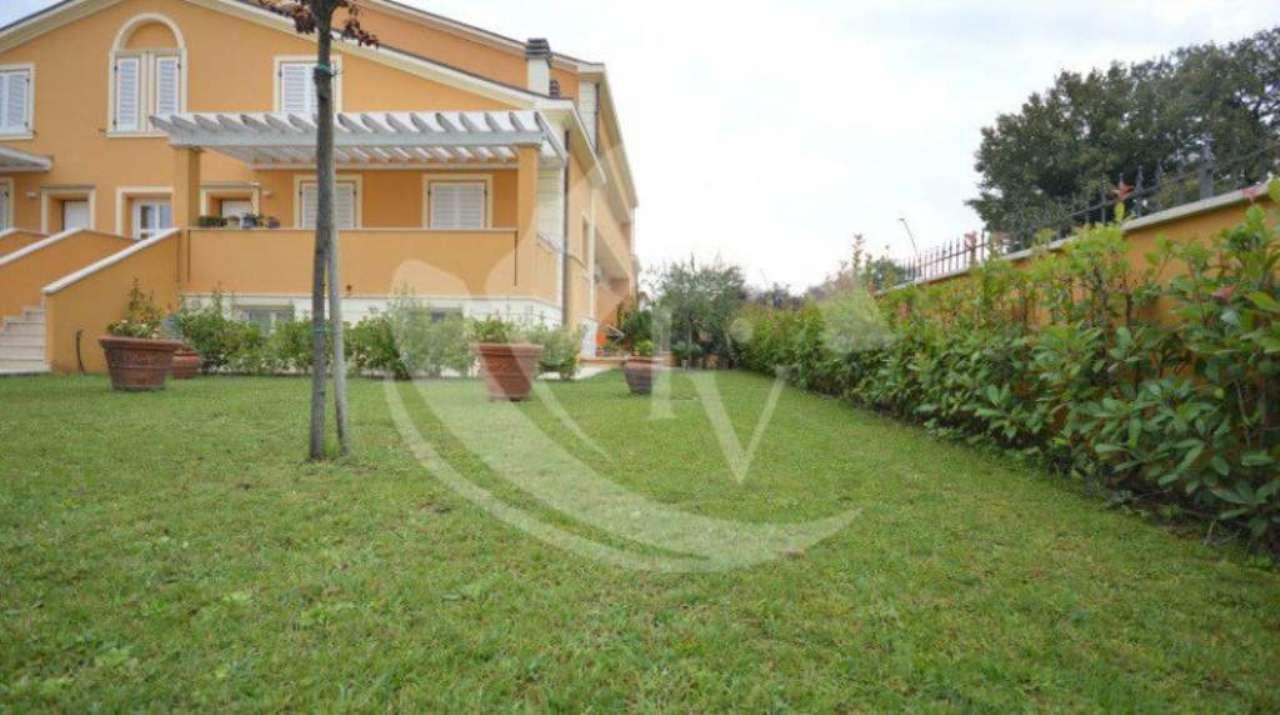 Appartamento in vendita a Montevarchi, 5 locali, prezzo € 315.000 | Cambio Casa.it