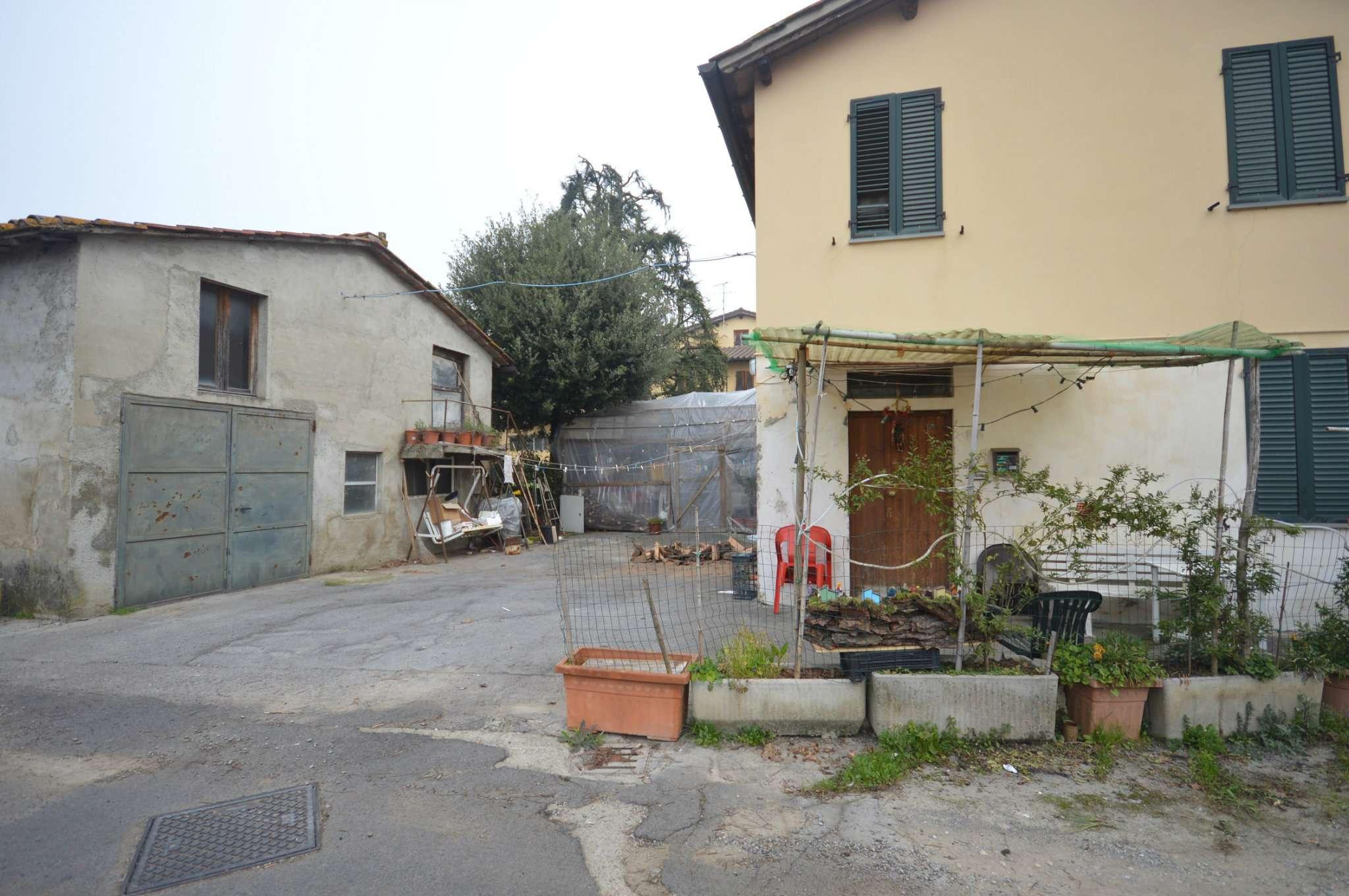 Soluzione Indipendente in vendita a Montevarchi, 8 locali, prezzo € 150.000 | Cambio Casa.it