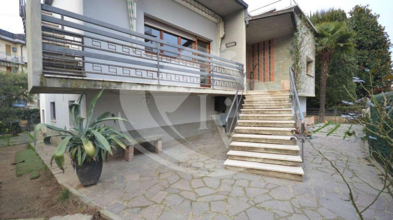 Soluzione Indipendente in vendita a Montevarchi, 13 locali, prezzo € 395.000 | Cambio Casa.it