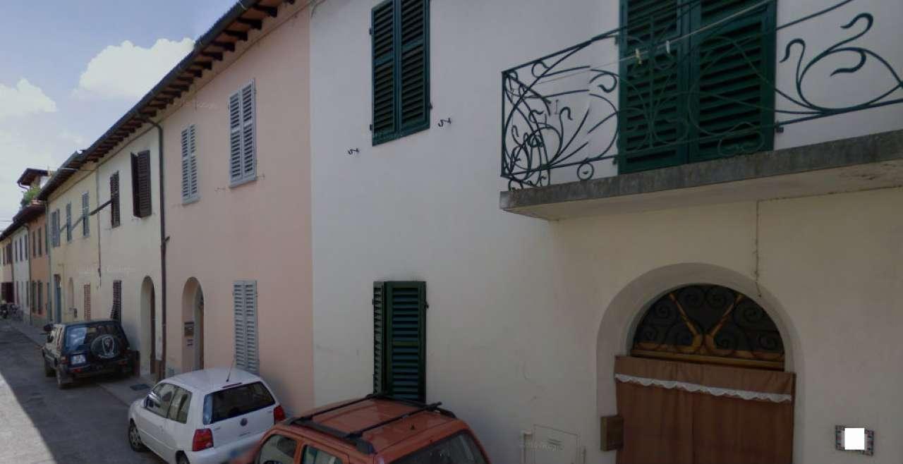 Palazzo / Stabile in vendita a Montevarchi, 4 locali, prezzo € 120.000 | Cambio Casa.it