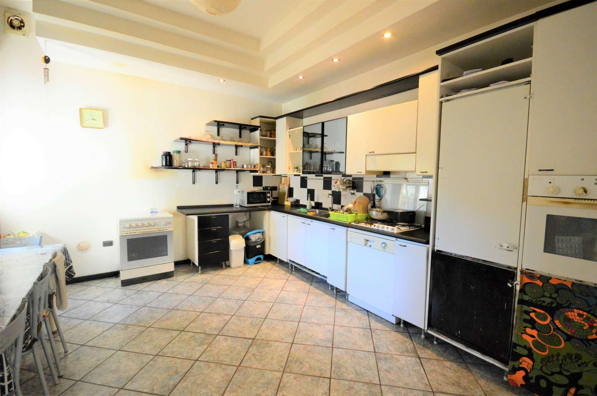 Appartamento in vendita a Montevarchi, 4 locali, prezzo € 90.000 | Cambio Casa.it