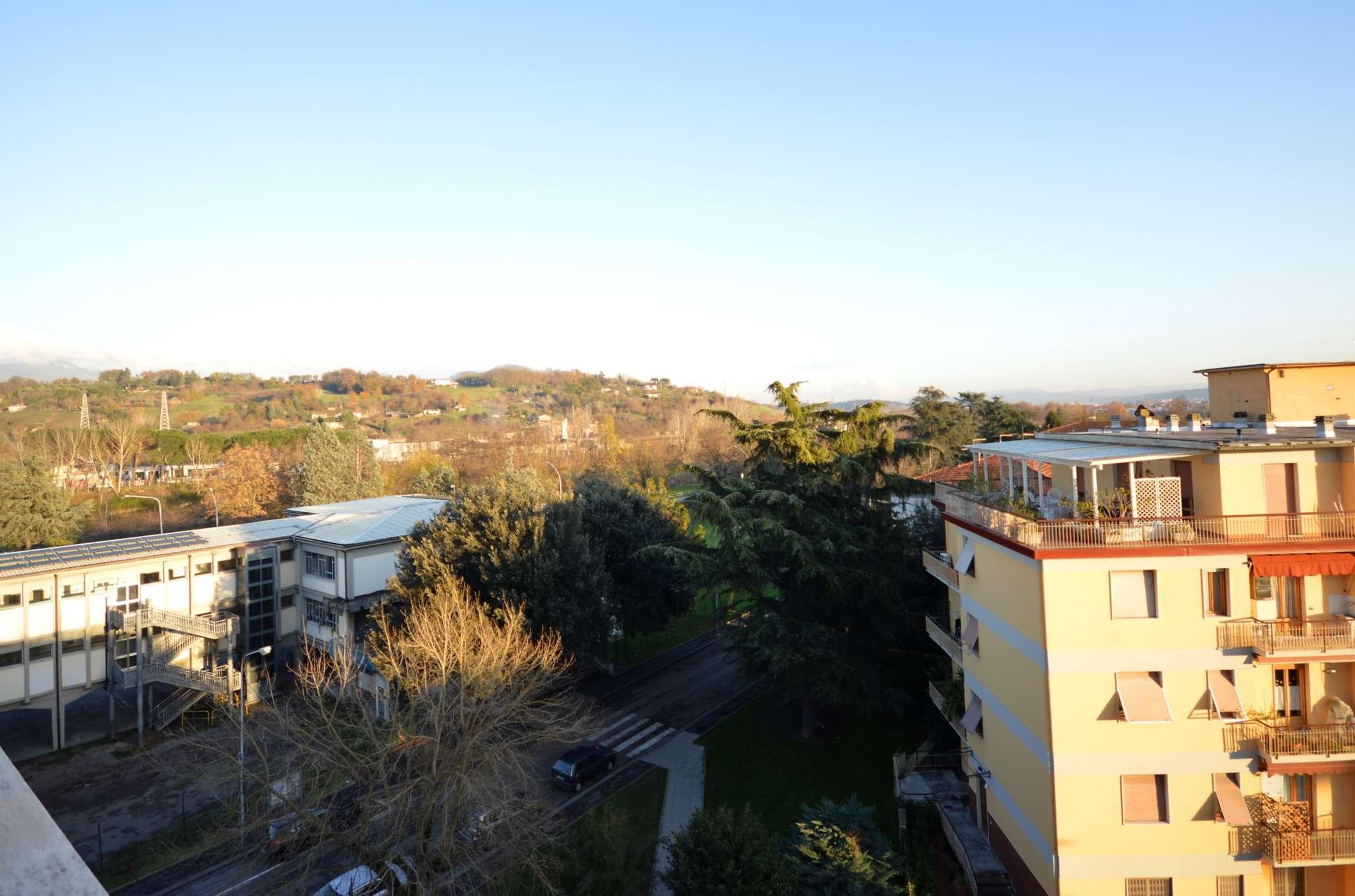 Appartamento in vendita a San Giovanni Valdarno, 4 locali, prezzo € 114.000 | CambioCasa.it