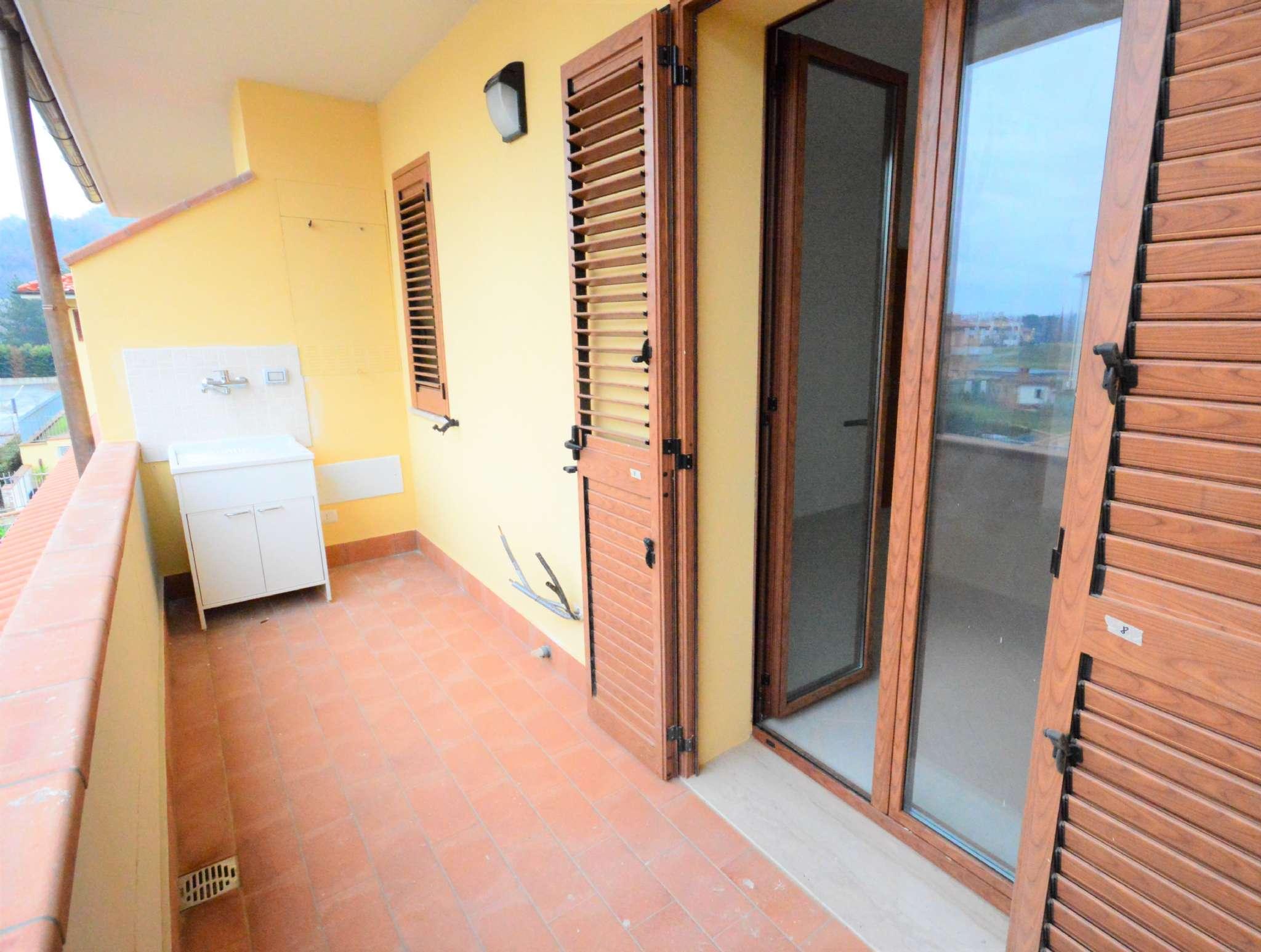 Appartamento in vendita a San Giovanni Valdarno, 5 locali, prezzo € 240.000 | CambioCasa.it