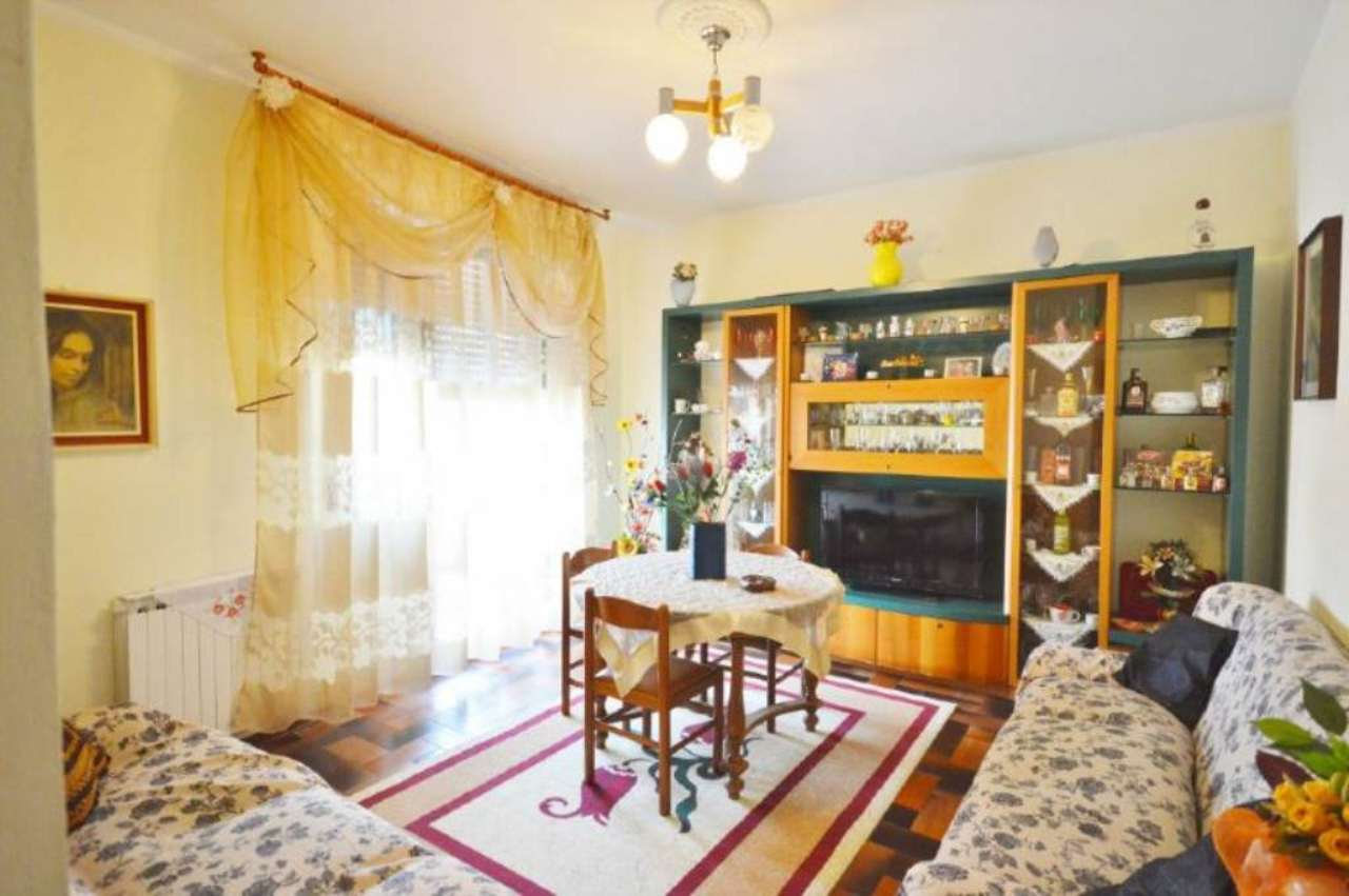 Appartamento in vendita a Figline e Incisa Valdarno, 4 locali, prezzo € 122.000 | Cambio Casa.it