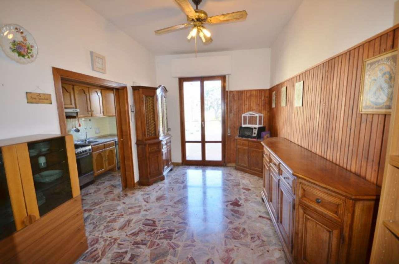 Appartamento in vendita a Figline e Incisa Valdarno, 4 locali, prezzo € 130.000 | Cambio Casa.it