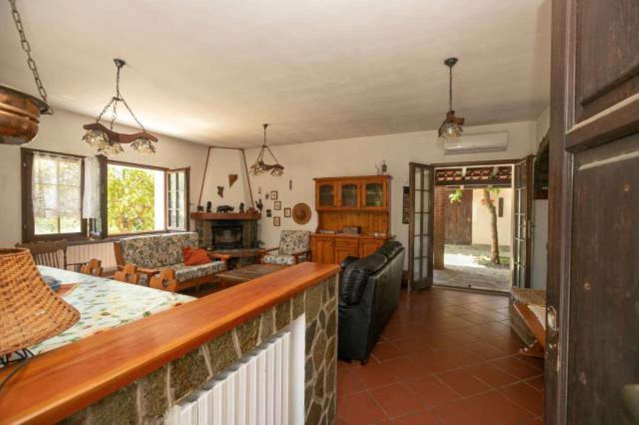 Foto 1 di Casa indipendente località Camere Vecchie, Roccaforte Ligure