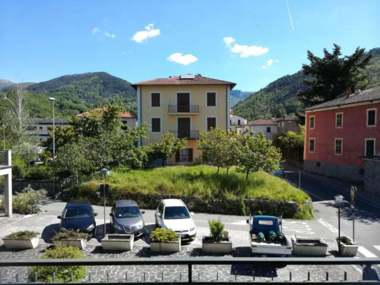 Foto 1 di Appartamento via Roma, Sesta Godano