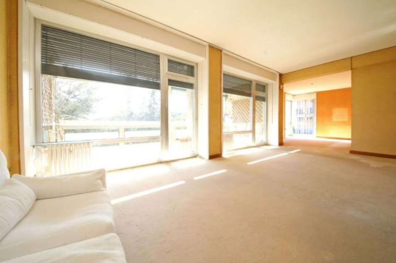 Foto 1 di Appartamento via Prasca, Genova (zona Quarto)