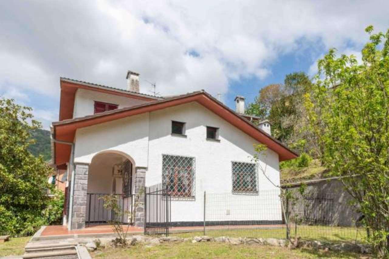 Foto 1 di Villa via Zerbi, frazione Salto Chiesa, Avegno