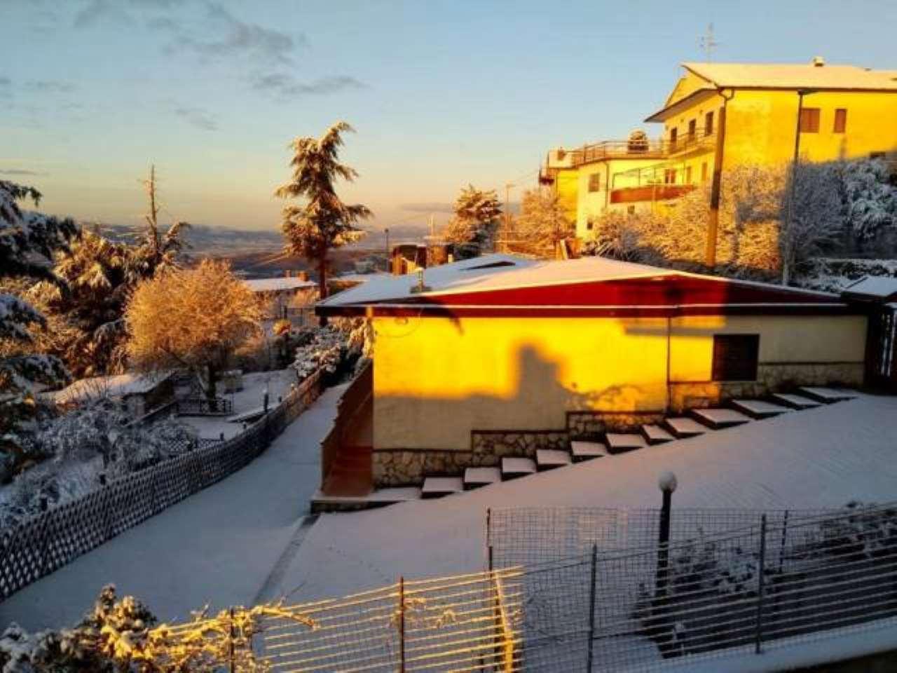 Foto 1 di Villa via Filippo Turati, 23, Acuto