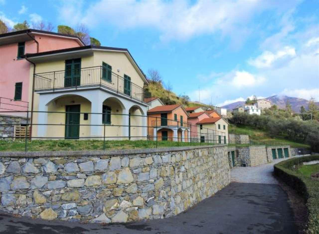 Foto 1 di Villetta a schiera via Levaggi, frazione Levaggi, Borzonasca