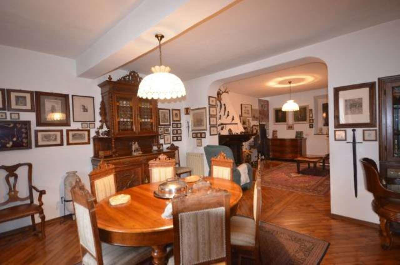 Foto 1 di Appartamento via Giardini, Pavullo Nel Frignano