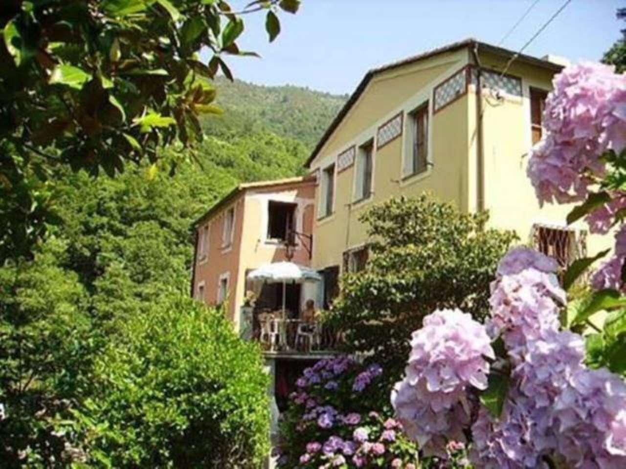 Foto 1 di Villa strada Provinciale, 77, Lumarzo