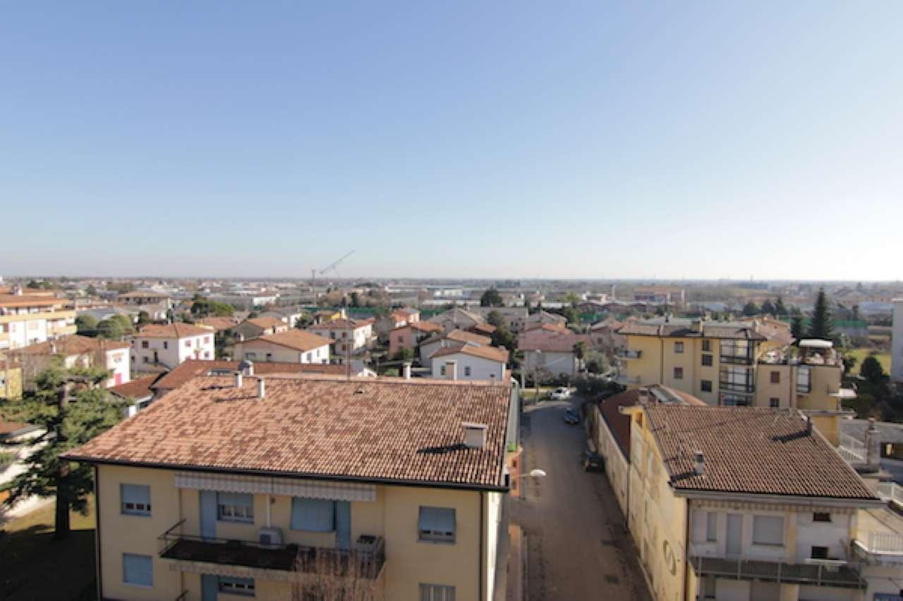 Attico / Mansarda in vendita a Conegliano, 5 locali, prezzo € 260.000 | Cambio Casa.it