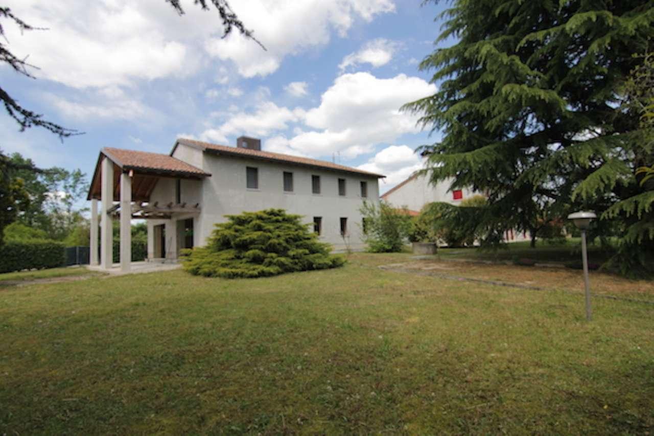 Villa in vendita a Povegliano, 6 locali, prezzo € 270.000 | Cambio Casa.it