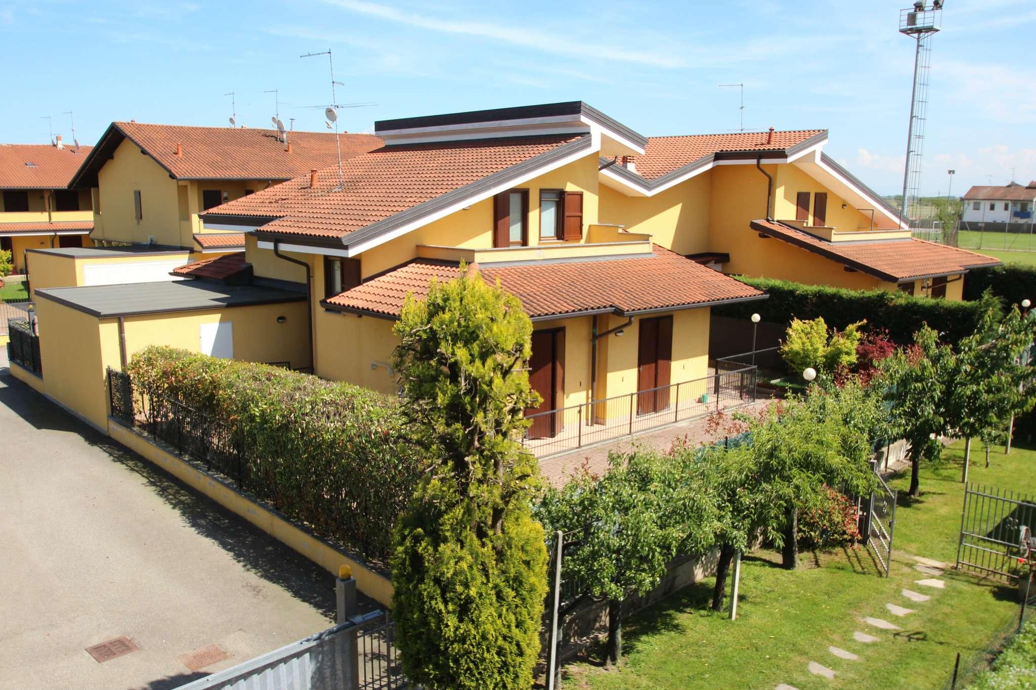 Villa in vendita a Garbagna Novarese, 5 locali, prezzo € 299.000 | Cambio Casa.it