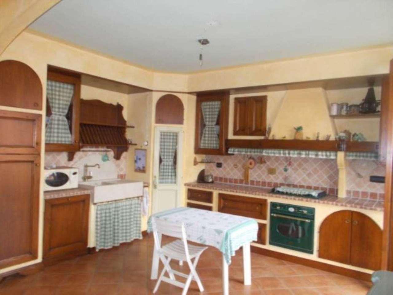 Appartamento in vendita a San Polo d'Enza, 4 locali, prezzo € 165.000 | Cambio Casa.it
