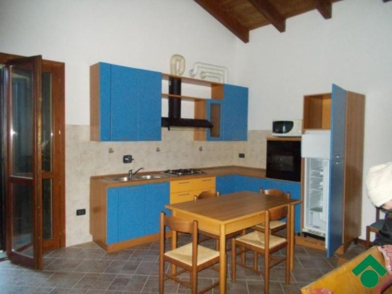 Appartamento in vendita a San Polo d'Enza, 2 locali, prezzo € 80.000 | Cambio Casa.it