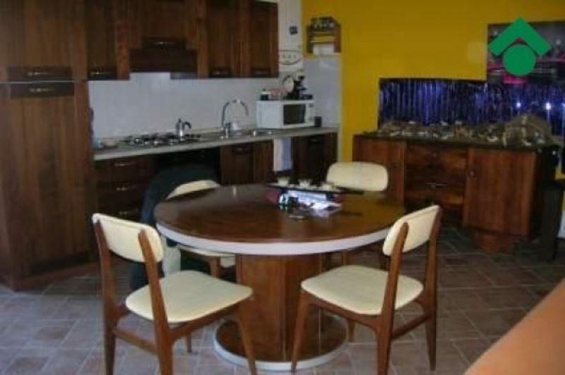 Appartamento in vendita a San Polo d'Enza, 2 locali, prezzo € 90.000 | CambioCasa.it