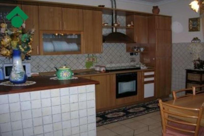 Appartamento in vendita a Quattro Castella, 3 locali, prezzo € 178.000   CambioCasa.it