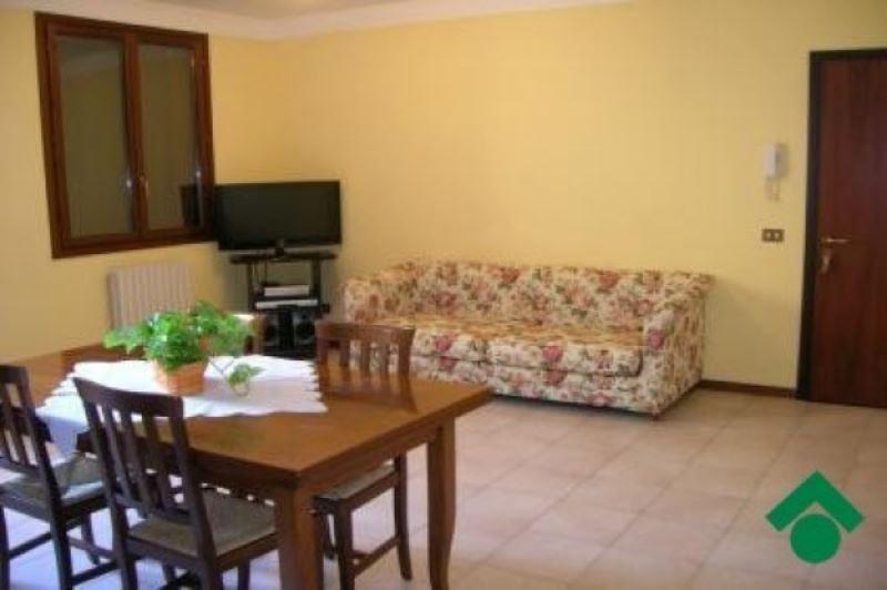 Appartamento in vendita a Quattro Castella, 3 locali, prezzo € 140.000 | Cambio Casa.it