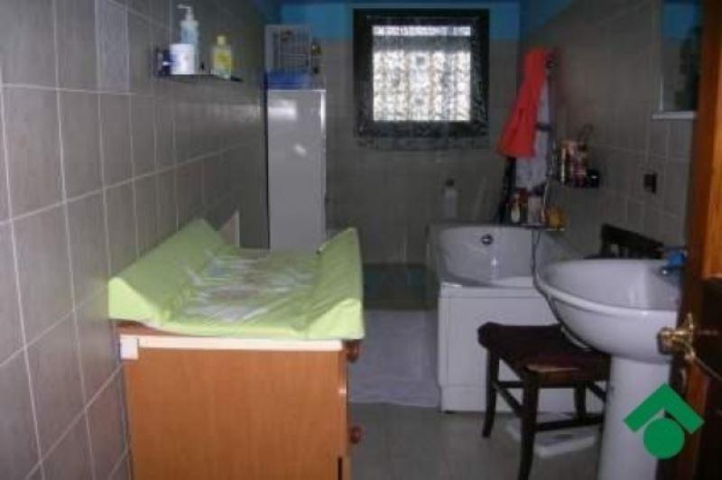 Soluzione Indipendente in vendita a Quattro Castella, 4 locali, prezzo € 150.000 | Cambio Casa.it