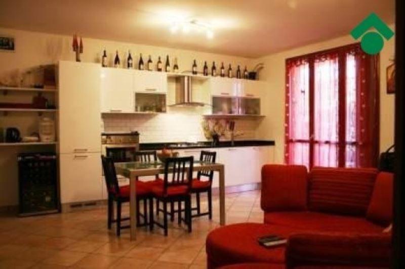 Appartamento in vendita a Quattro Castella, 3 locali, prezzo € 185.000 | Cambio Casa.it