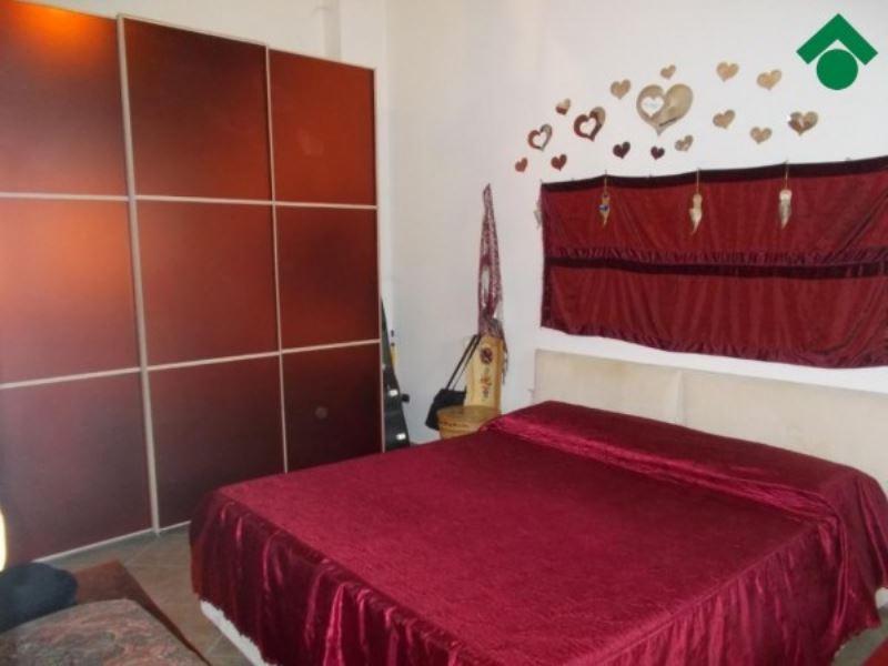 Soluzione Indipendente in vendita a Casina, 3 locali, prezzo € 100.000 | CambioCasa.it