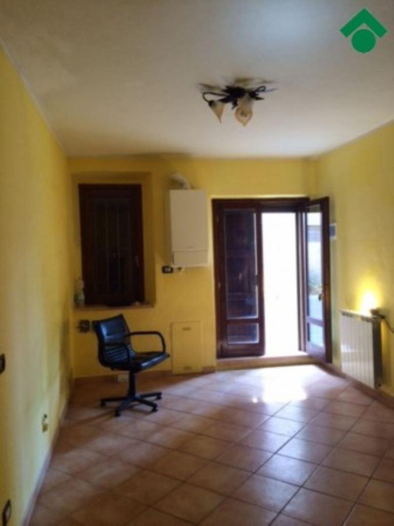 Soluzione Indipendente in vendita a Bibbiano, 6 locali, prezzo € 75.000   Cambio Casa.it