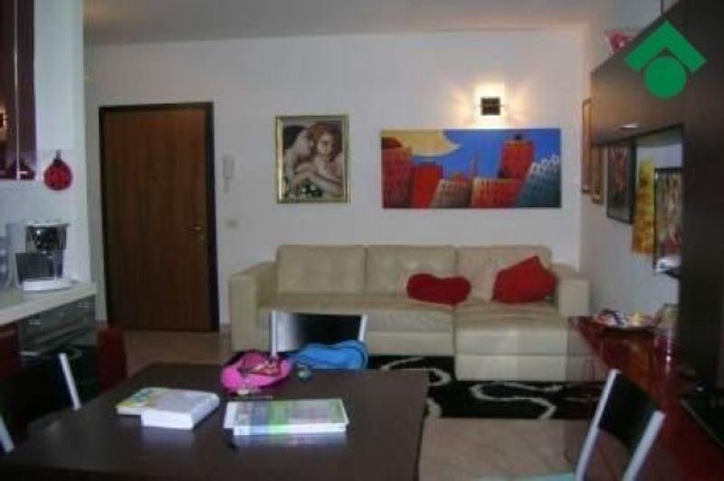 Appartamento in vendita a San Polo d'Enza, 2 locali, prezzo € 85.000 | CambioCasa.it