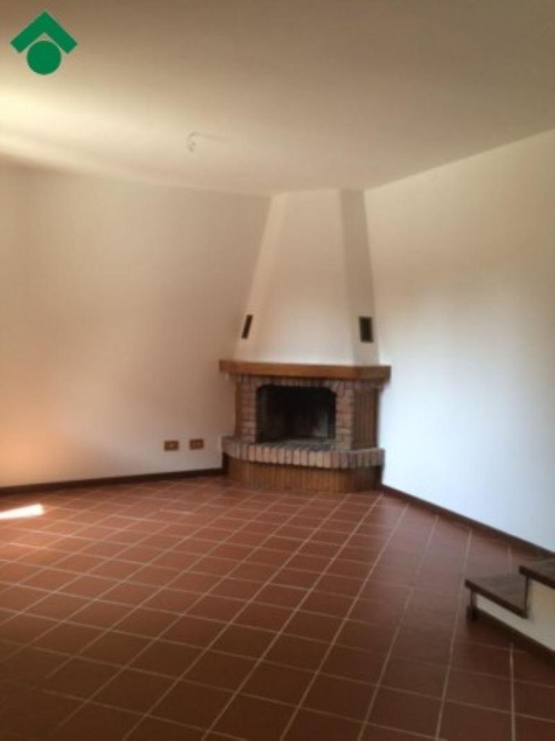 Soluzione Indipendente in vendita a Quattro Castella, 3 locali, prezzo € 165.000 | Cambio Casa.it