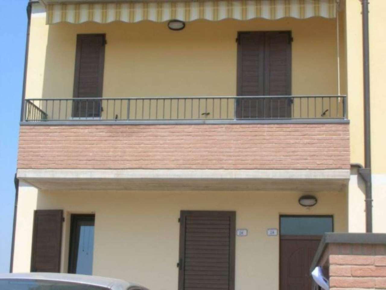 Appartamento in vendita a Reggio Emilia, 2 locali, prezzo € 85.000   CambioCasa.it