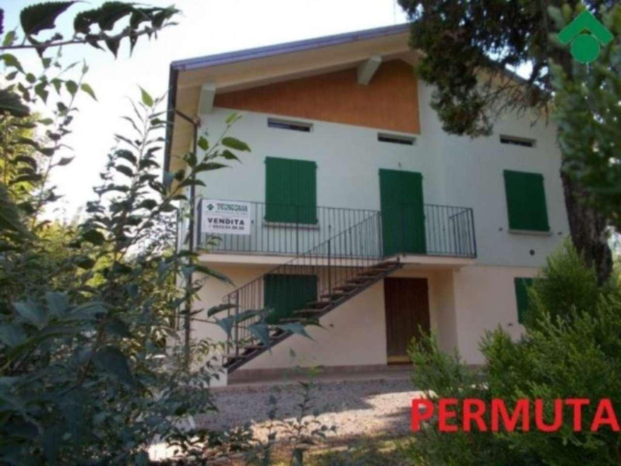 Villa in vendita a Quattro Castella, 6 locali, prezzo € 250.000 | Cambio Casa.it