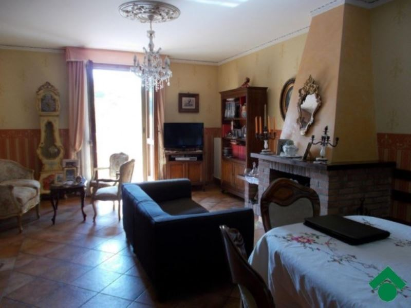 Villa a Schiera in Vendita a Casina