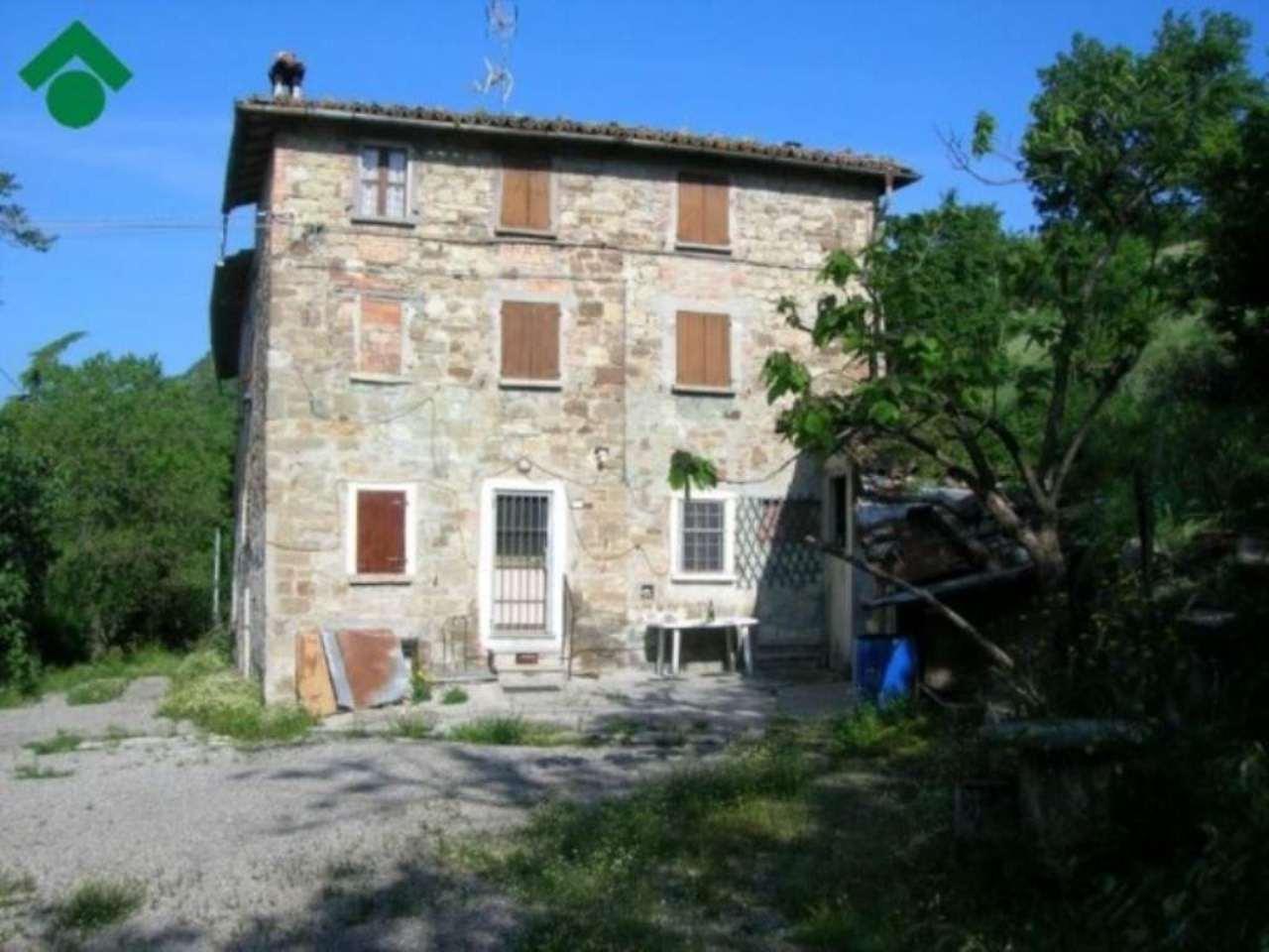 Soluzione Indipendente in vendita a San Polo d'Enza, 6 locali, prezzo € 120.000 | Cambio Casa.it