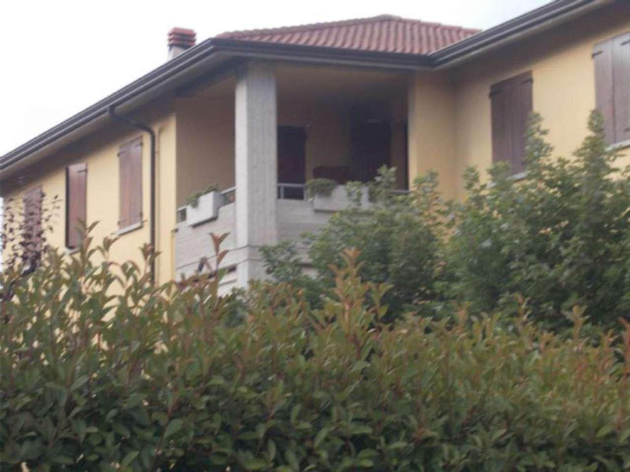 Appartamento in vendita a Albinea, 4 locali, prezzo € 200.000 | Cambio Casa.it