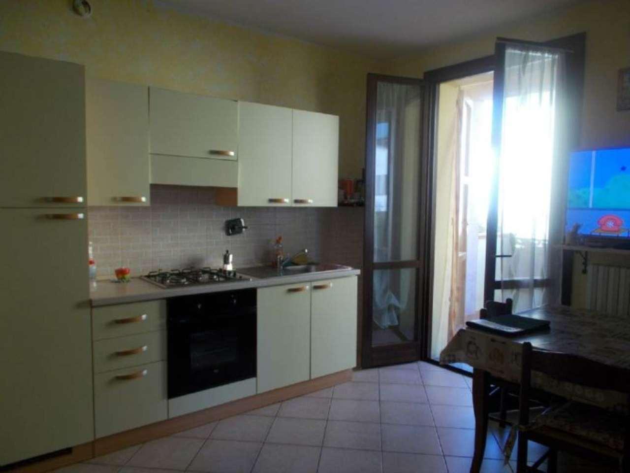 Appartamento in affitto a Quattro Castella, 3 locali, prezzo € 420 | Cambio Casa.it