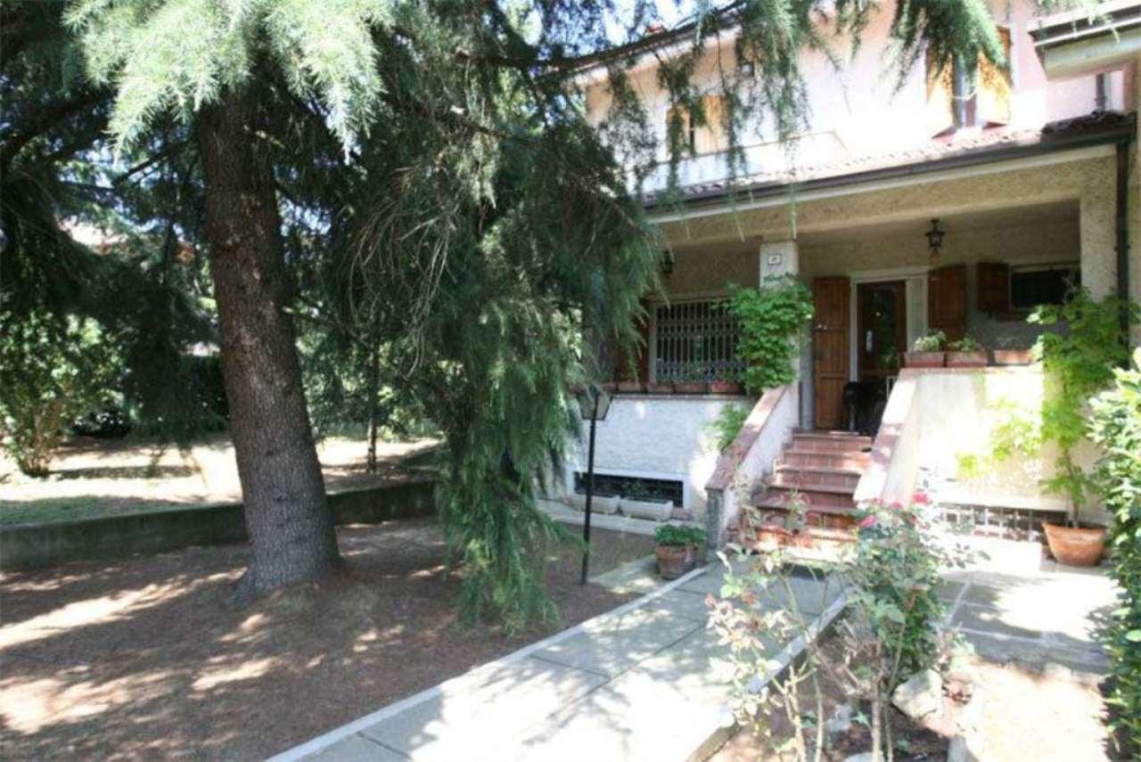 Villa Tri-Quadrifamiliare in Vendita a Albinea