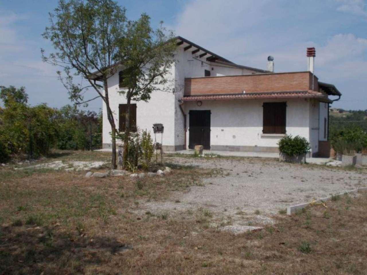 Soluzione Indipendente in vendita a Carpineti, 3 locali, prezzo € 180.000 | Cambio Casa.it