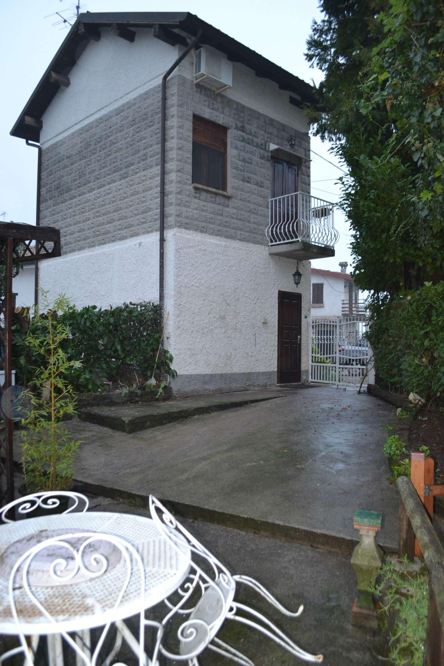 Soluzione Indipendente in affitto a Vezzano sul Crostolo, 2 locali, prezzo € 400 | Cambio Casa.it