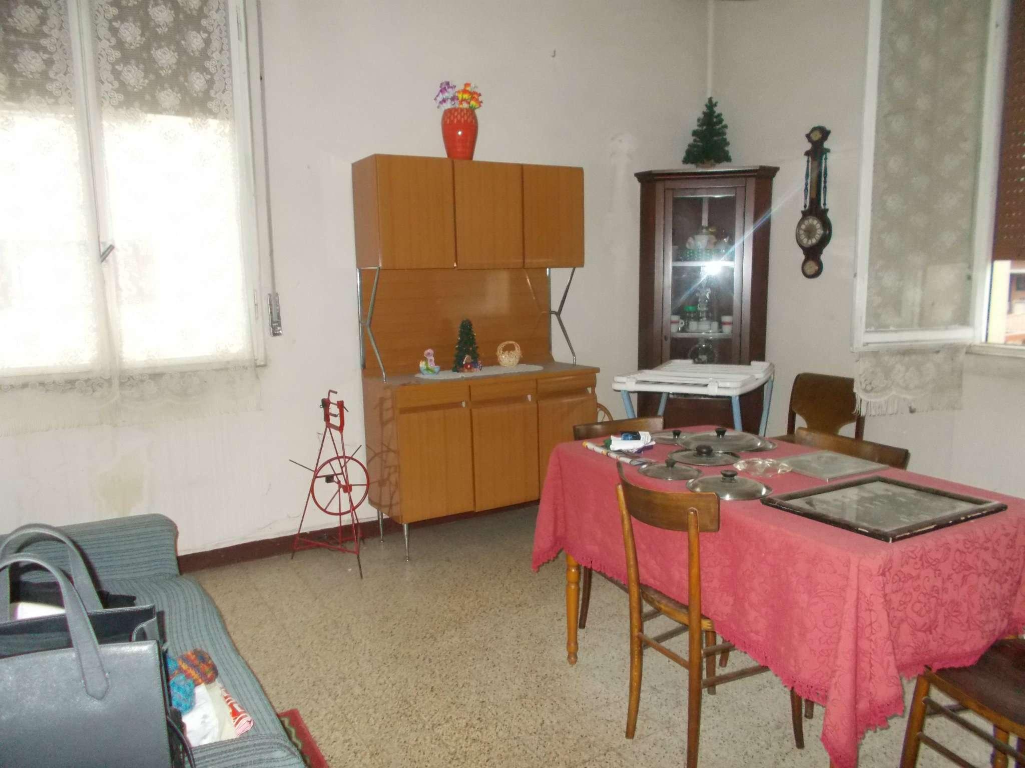 Appartamento in vendita a Bibbiano, 3 locali, prezzo € 50.000 | CambioCasa.it