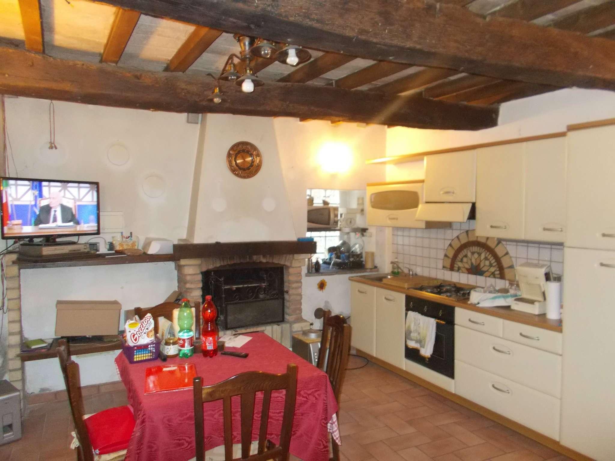 Soluzione Semindipendente in affitto a Quattro Castella, 3 locali, prezzo € 450 | Cambio Casa.it