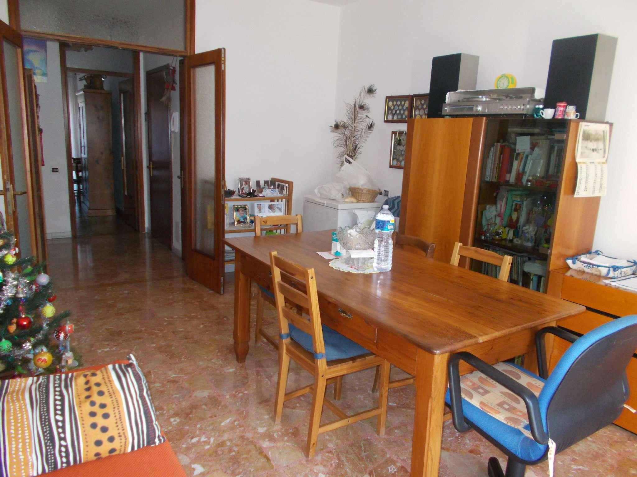 Appartamento in vendita a Vezzano sul Crostolo, 4 locali, prezzo € 110.000 | Cambio Casa.it