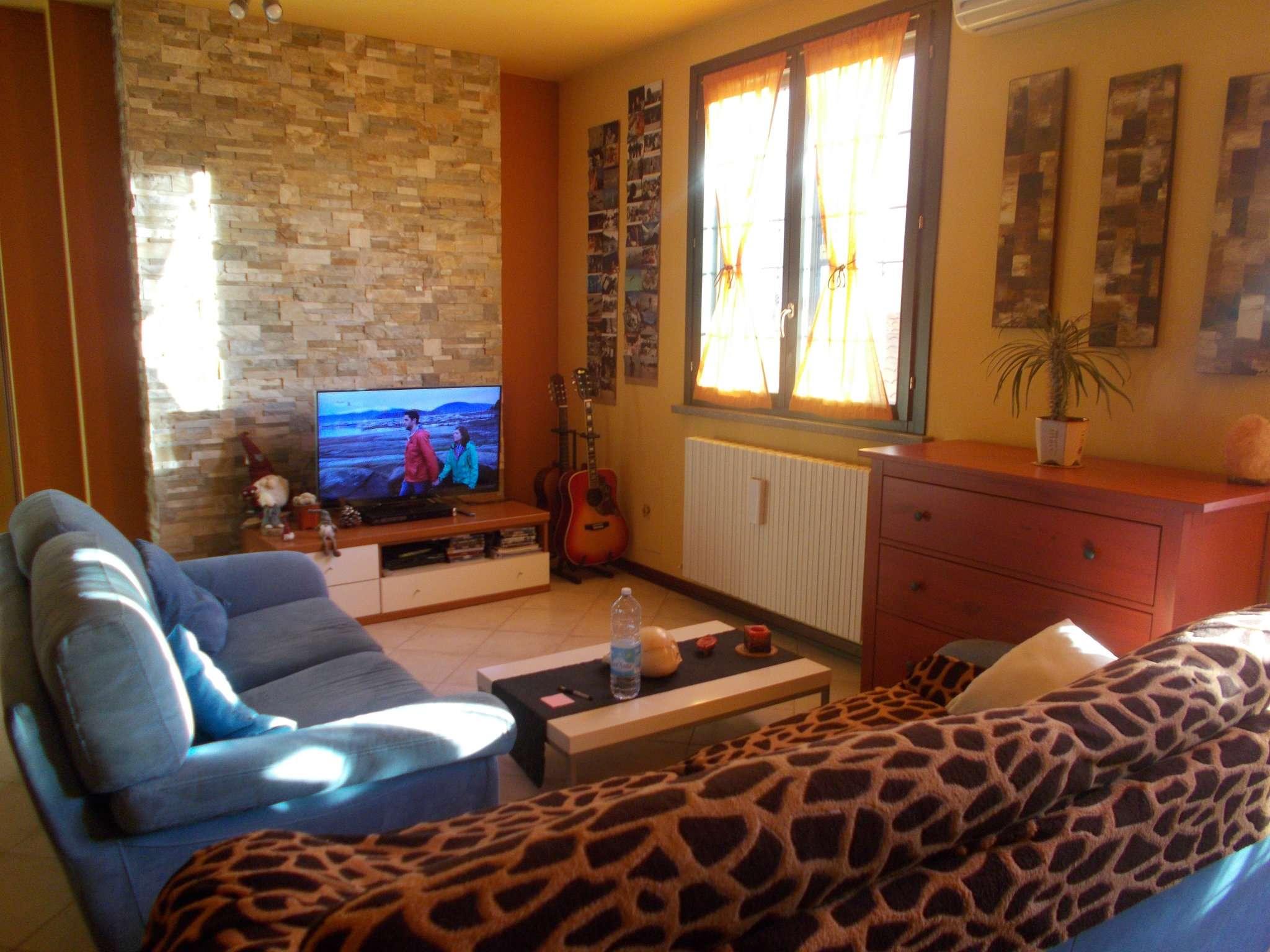 Appartamento in vendita a Quattro Castella, 2 locali, prezzo € 135.000 | Cambio Casa.it