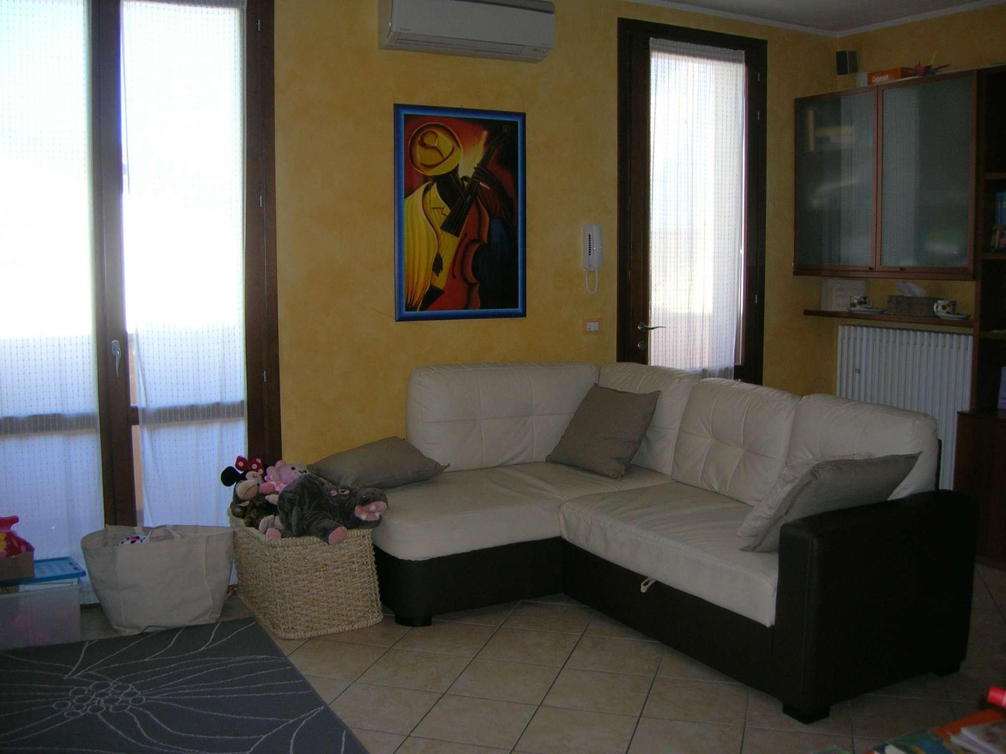 Soluzione Indipendente in vendita a Quattro Castella, 4 locali, prezzo € 190.000 | CambioCasa.it